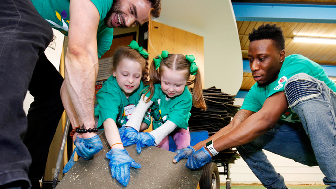 Comcast Volunteers Participate Across the Twin Cities Region on Comcast Cares Day 2018